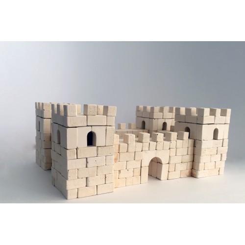 Форт Пана Цегли, 548 деталей